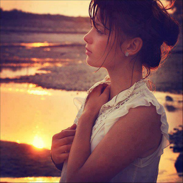 Amazing Sad And Alone Girls Picture DP